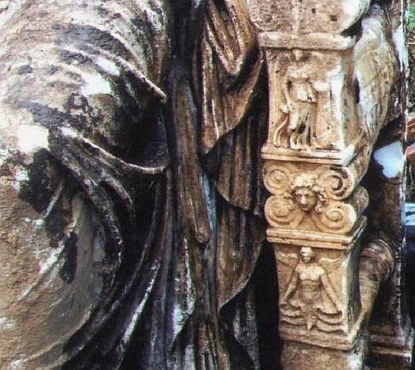 Найден редкий мраморный колосс Калигулы