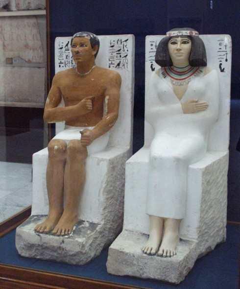 Статуи царевича Рахотепа и Нофрет
