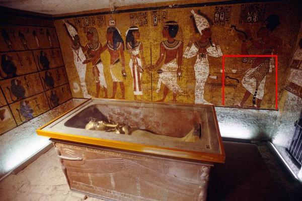 В гробнице Тутанхамона нашли тайную дверь, и она может вести к Нефертити